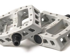 Eclat-Surge-Plastic-pedals_3